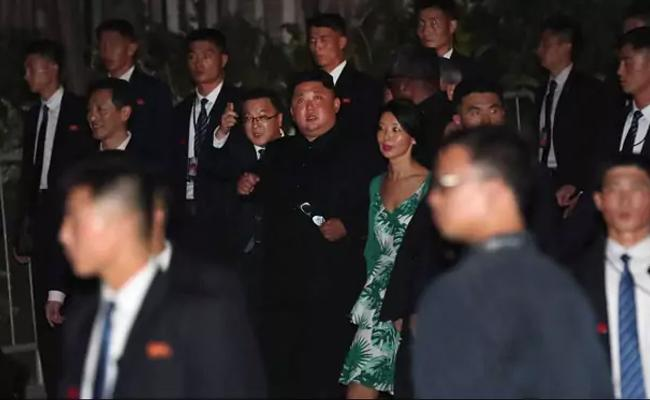 Kim Jong Un Surprise Visit In Singapore Streets - Sakshi