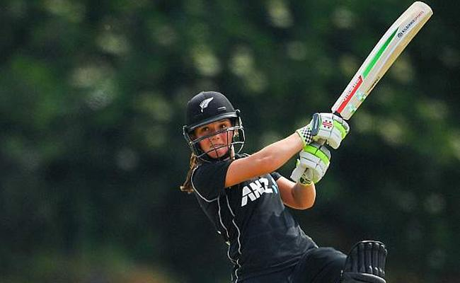 Amelia Kerr Registers Highest Individual Score In Women One Day Cricket - Sakshi