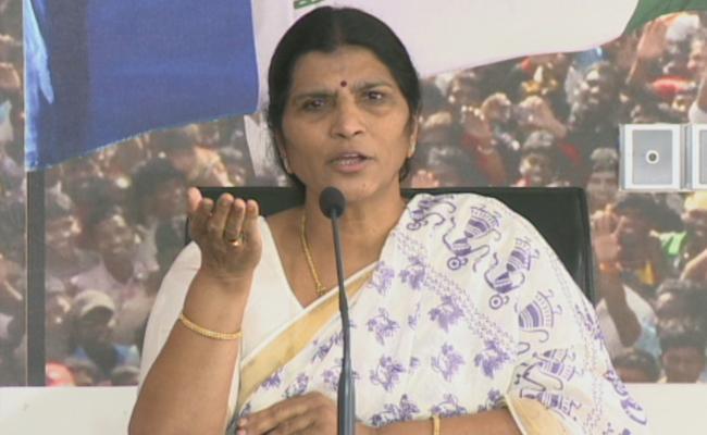 Chandrababu Naidu Looted AP Says YSRCP Leader Lakshmi Parvathi - Sakshi