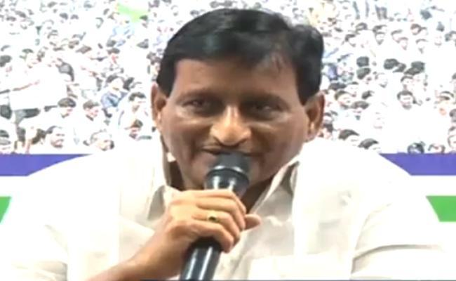 YSRCP Leader Adiseshagiri Rao Criticises Chandrababu Naidu Over Special Status Issue - Sakshi
