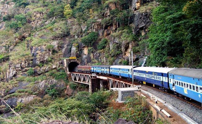 Kirandul Kothavalasa Railway Line Track Broken - Sakshi