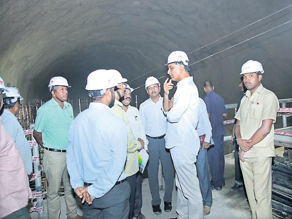 Minister Harish Rao comments on Kaleshwaram Project - Sakshi