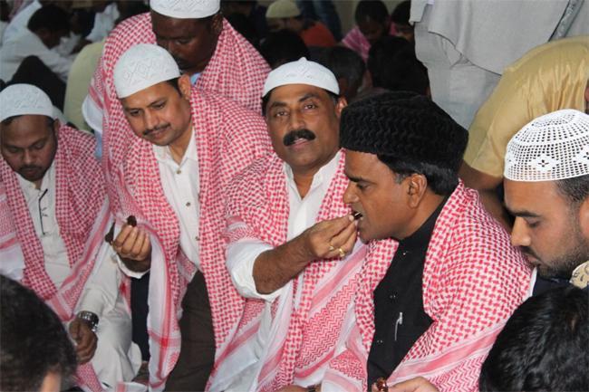 Kadapa MLA Attendees Iftar Hosted By YSRCP Qatar Leaders - Sakshi