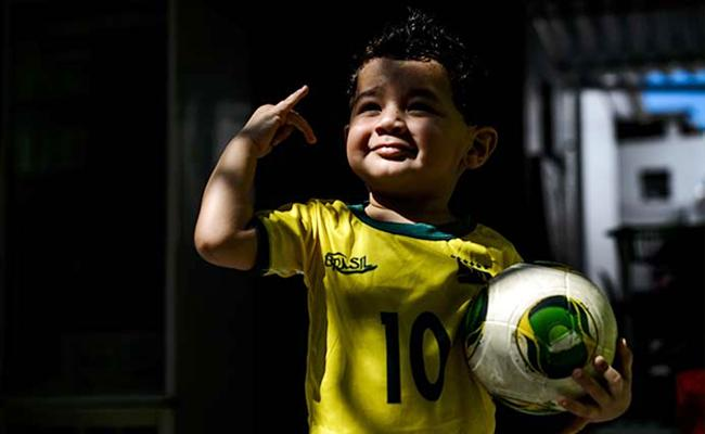 Majority of Brazilians Not Interested in FIFA 2018 World Cup - Sakshi