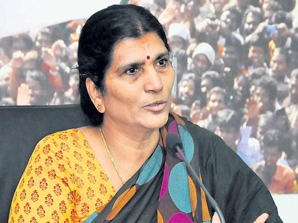 Lakshmi Parvathi comments on CM Chandrababu - Sakshi