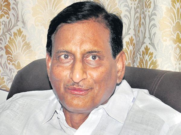 Ghattamaneni adiseshagiri rao comments on Chandrababu - Sakshi