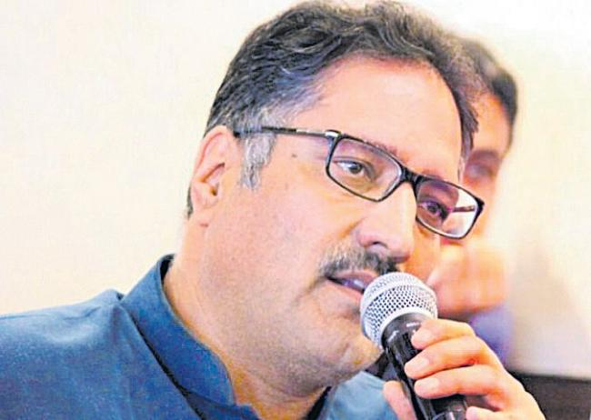 Rising Kashmir Editor Shujaat Bukhari Shot at by Terrorists in Srinagar - Sakshi