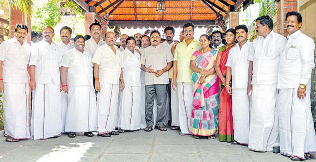Madras HC passes split verdict, status quo continues - Sakshi