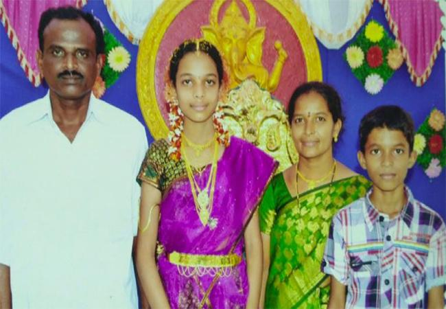 Father Attack Died Daughter Attend Exams In Vizianagaram - Sakshi