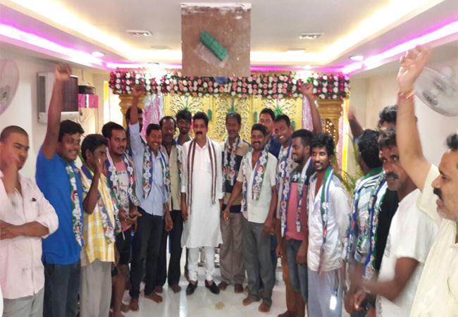 TDP Leaders Join YSRCP In Visakhapatnam - Sakshi