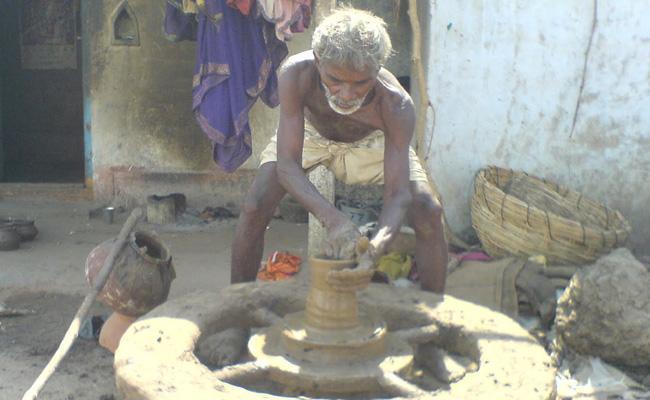 Editorial On Vishwakarma Community - Sakshi