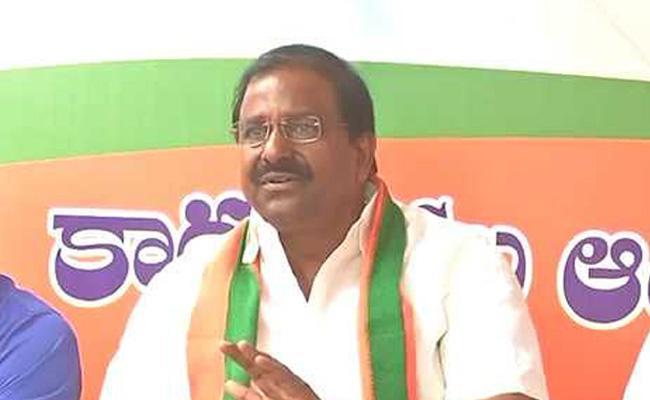 Somu Veerraju Fires On Corruption In TDP Govt Schemes - Sakshi