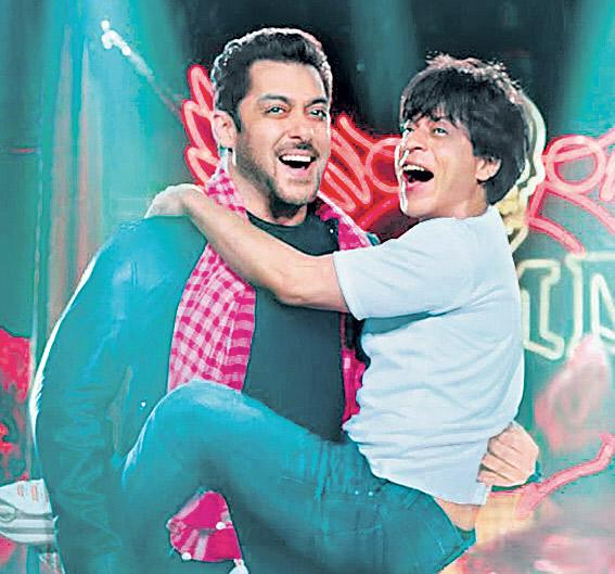 Shah Rukh Khan and Salman Khan come together in Zero teaser release - Sakshi