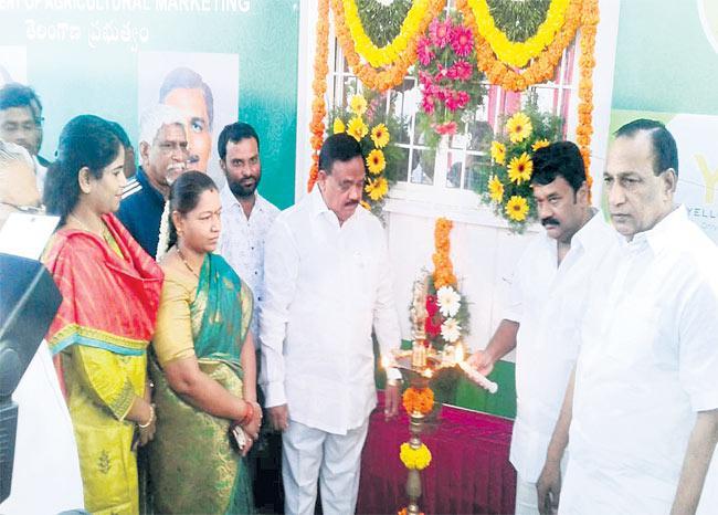 Talasani Srinivas Yadav Who Started The 'Our Vegetables' Center - Sakshi