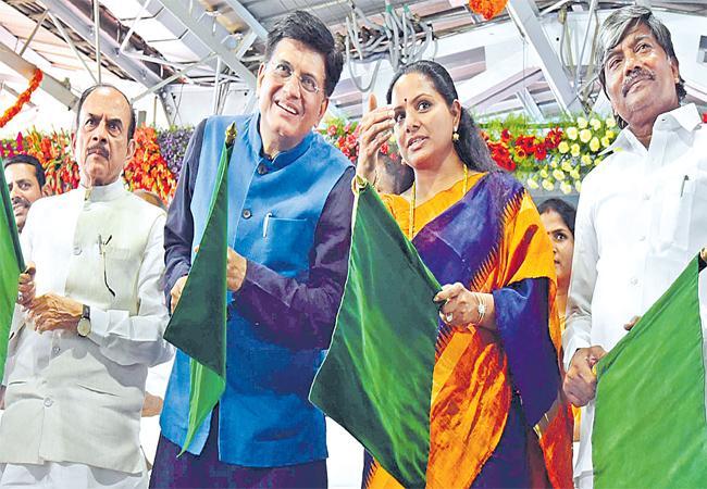 Piyush Goyal  Start To New Railway Line In Telangana - Sakshi