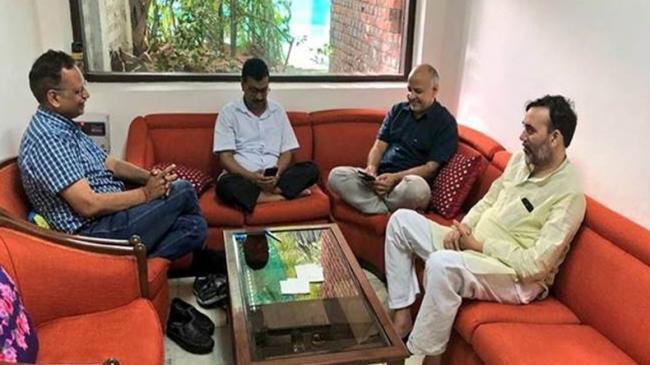 After 5 Days Of Hunger Strike, Satyendra Jain Gains 1-5 Kg - Sakshi