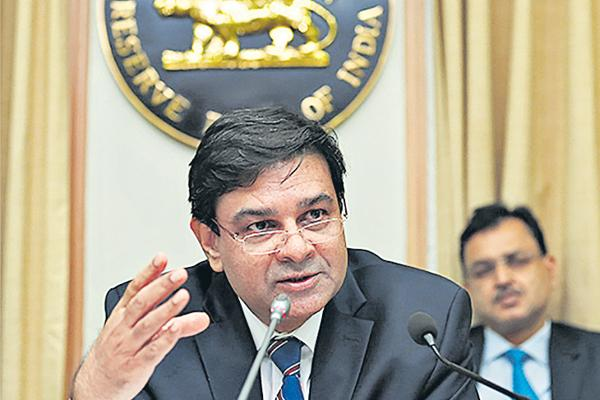 Union backs Urjit Patel, says RBI must act as alert inspector - Sakshi