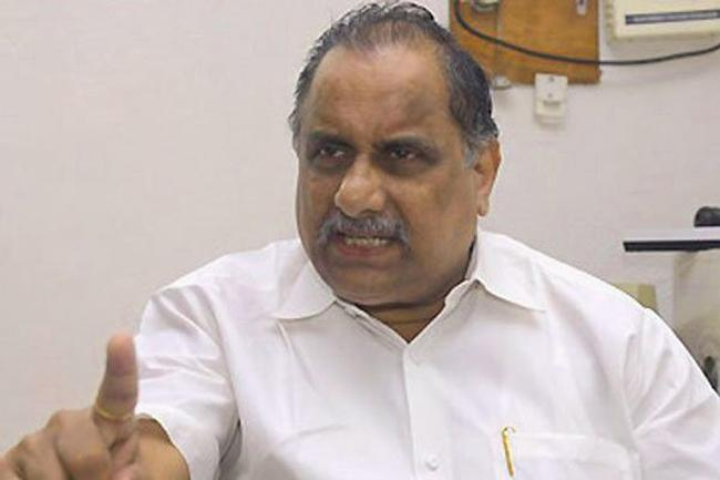 Kapu Leader Mudragada Padmanabham Fires On CM Chandrababu - Sakshi