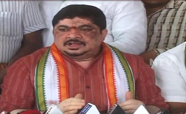 Ponnam Prabhakar Demands, KCR Will Answer For People - Sakshi