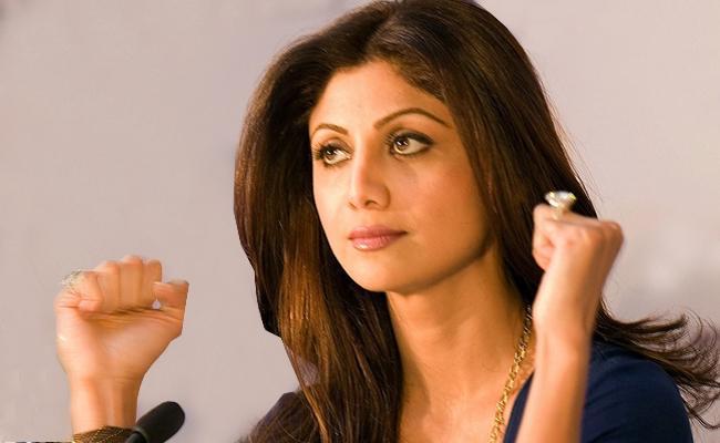 Shilpa Shetty shuts Down Pregnancy Rumours - Sakshi