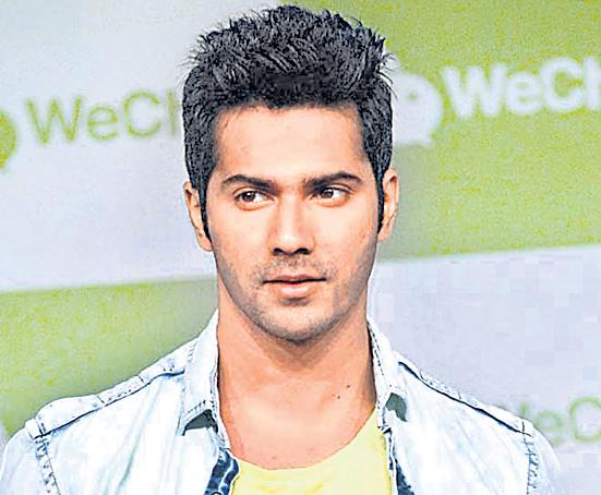 Varun Dhawan suffers an injury on the sets of Kalank - Sakshi