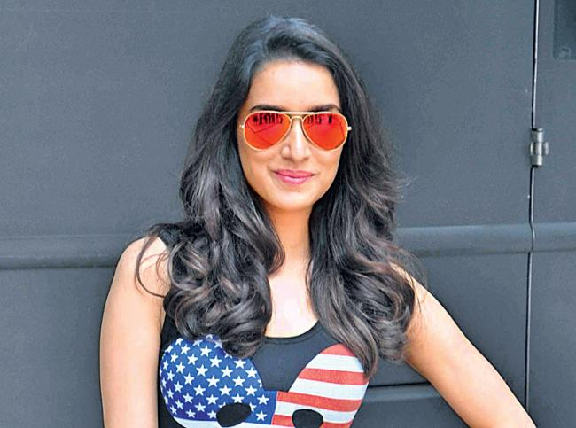 Shraddha Kapoor Donates Her Clothes To Help Charitable trust - Sakshi
