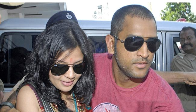 MS Dhoni Wife Sakshi Dhoni Applies For Gun Licence
