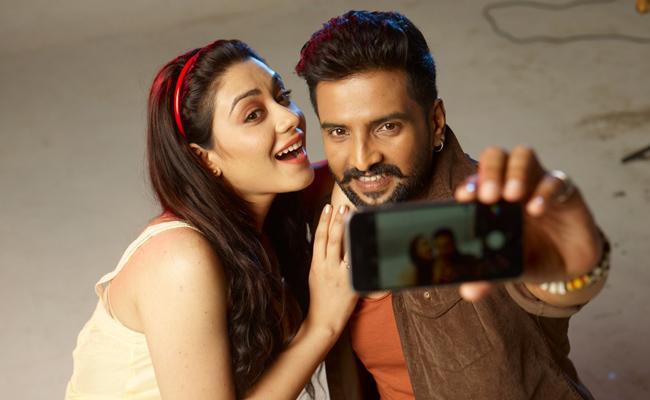 Santhanam Starrer Dammunte Sommera Release Date - Sakshi