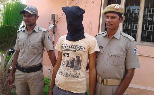 Woman Murder Mystery Revealed In Berhampur - Sakshi