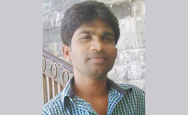 Young Man Died With Heart Stroke In Kurnool - Sakshi