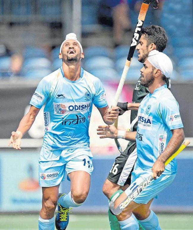 Indian hockey team thrashes Pakistan in Champions Trophy opener - Sakshi