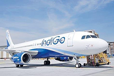 IndiGo, SpiceJet, GoAir hike excess baggage charges for domestic flyers - Sakshi