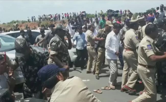 Manchal Road Accident Relatives Protest - Sakshi