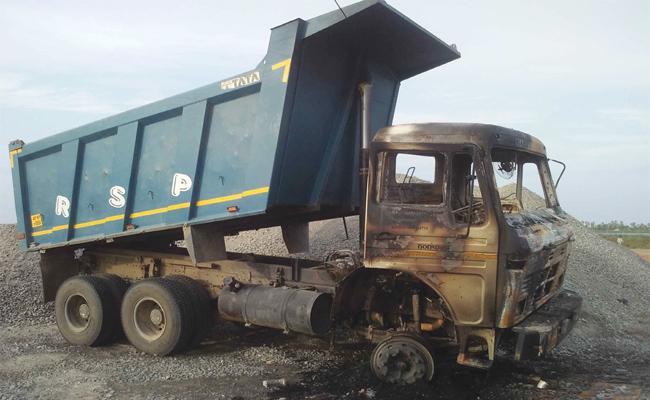 Lorry Driver Live Burning In West Godavari - Sakshi