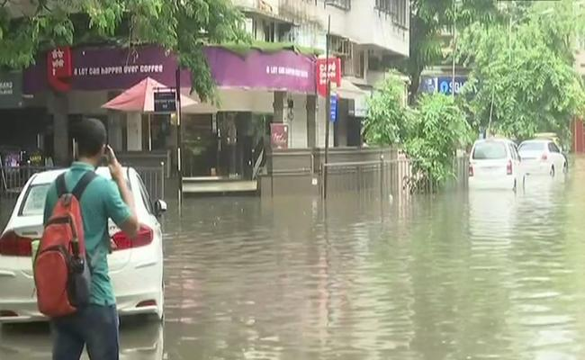 Heavy Rain in Mumbai - Sakshi