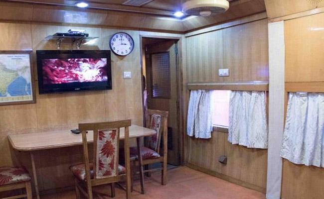 IRCTC Introduced Luxury Indian Saloon Coaches For Long Journey - Sakshi