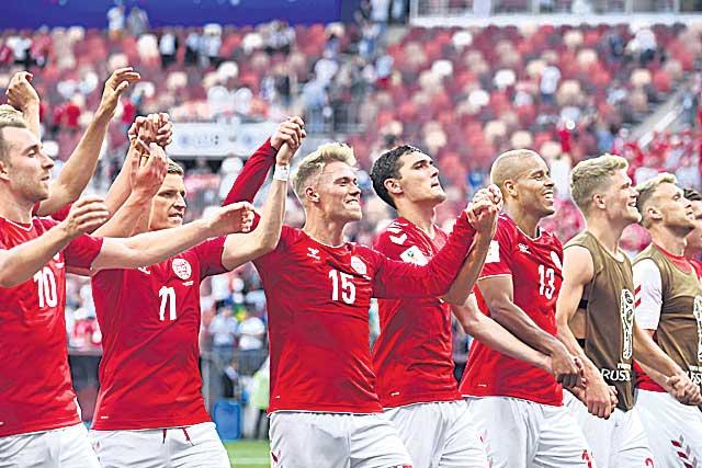 Denmark stays France and knockout - Sakshi