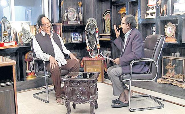 Rebel Star Krishnam Raju Slams Cm Chandrababu Naidu - Sakshi