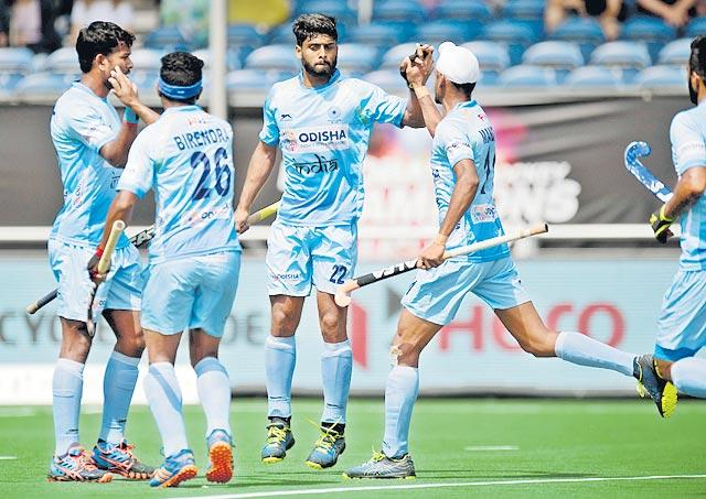 India lose 2-3 to Australia in Champions Trophy hockey - Sakshi