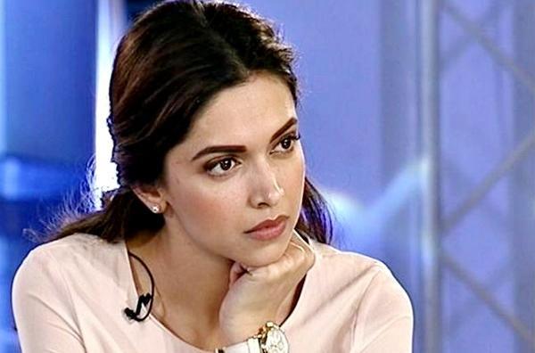 Deepika Padukone Reveals She Was Advised to Get Boob Job - Sakshi
