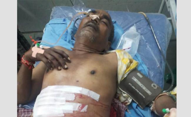 Conflicts In Alchohol Inebriety NRI injured Guntur - Sakshi