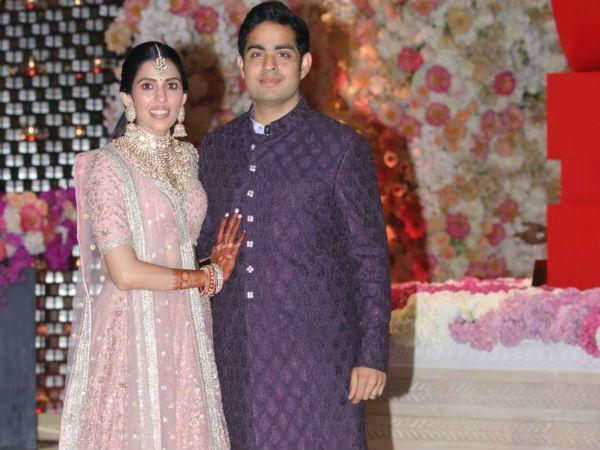 Akash Ambani, Shloka Mehta Have Their Starry Pre Engagement Party - Sakshi