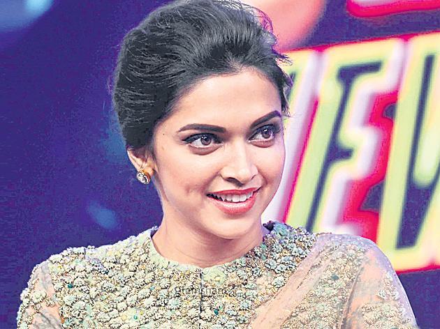 Deepika To Do Lungi Dance For A Hollywood Movie  - Sakshi