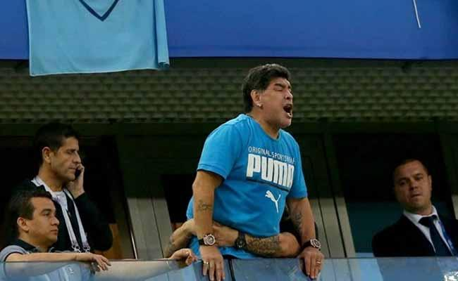 Diego Maradona Angry And Offers Reward Over Death Report - Sakshi