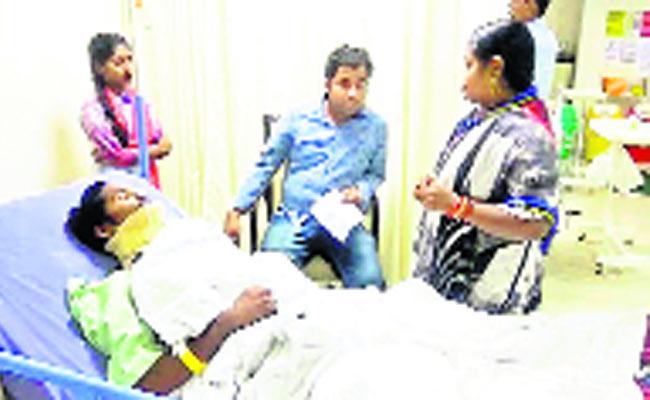Begging For Friendship In Orissa - Sakshi