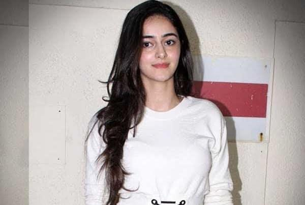 Student Of The Year 2 Actress Ananya Pandey Meets With A Car Accident - Sakshi