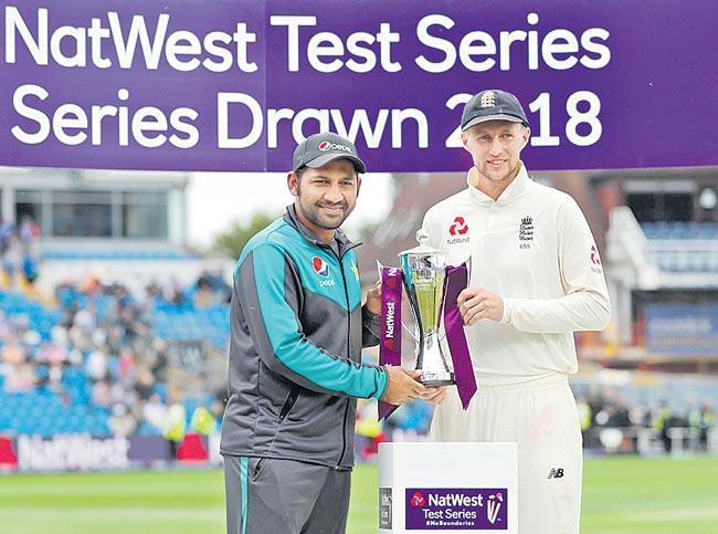 Pakistan beaten by an innings as England level series - Sakshi