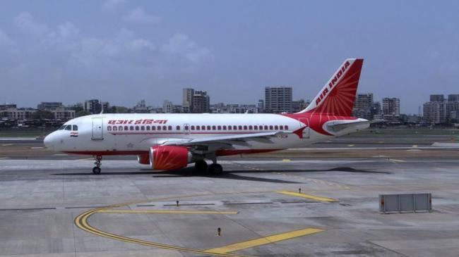 6 Hour Delay In Air India Flight Creates Huge Ruckus At Mumbai Airport - Sakshi