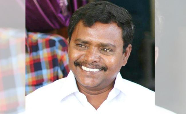 Municipal Chairperson Slams To MLC Btech Ravi YSR Kadapa - Sakshi