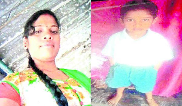 Woman Suicide With Children On Railway Track In Vizianagaram - Sakshi